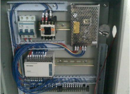 触摸屏程序和PLC程序的区别